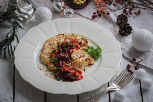 Blumenkohl-Steaks mit Wurzelgemüsetatar