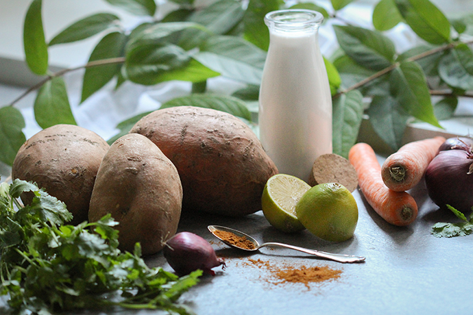 Zutaten für die leckere Süßkartoffel-Kokossuppe